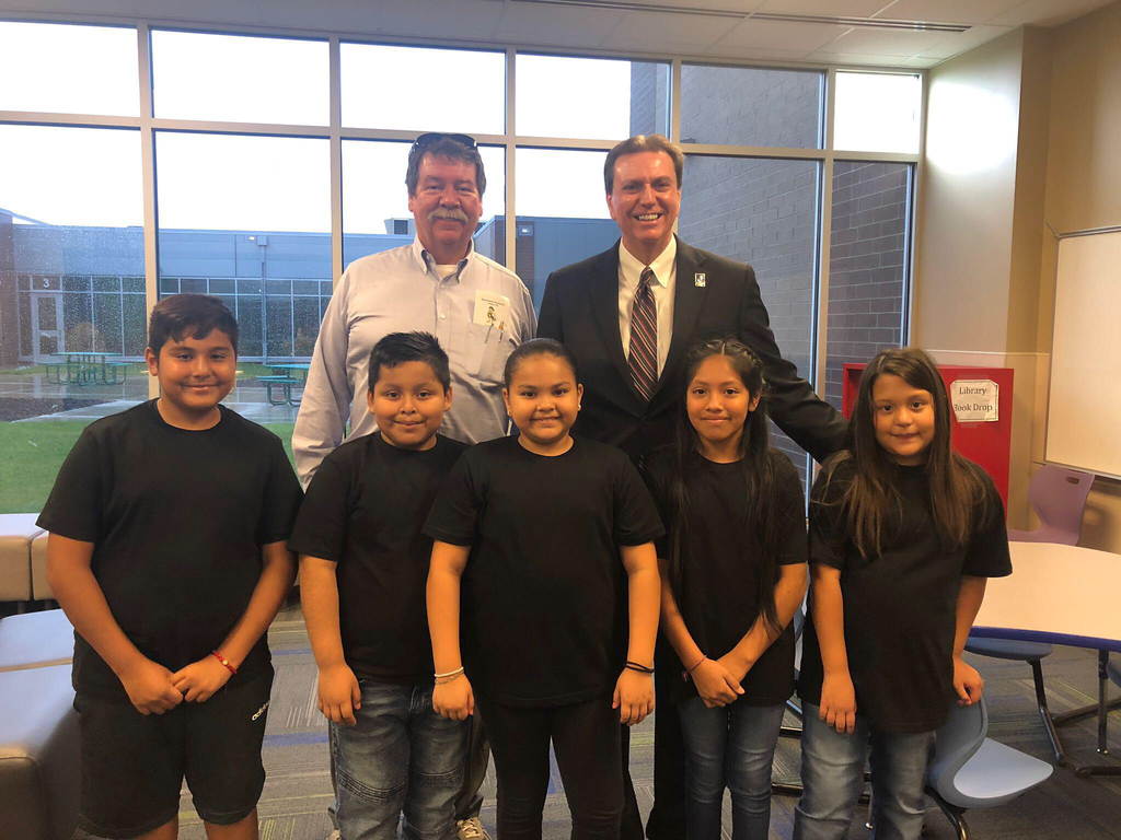 4th grade Ambassadors with Dr Watson and board member Steve Roberts!  Thanks for visiting!